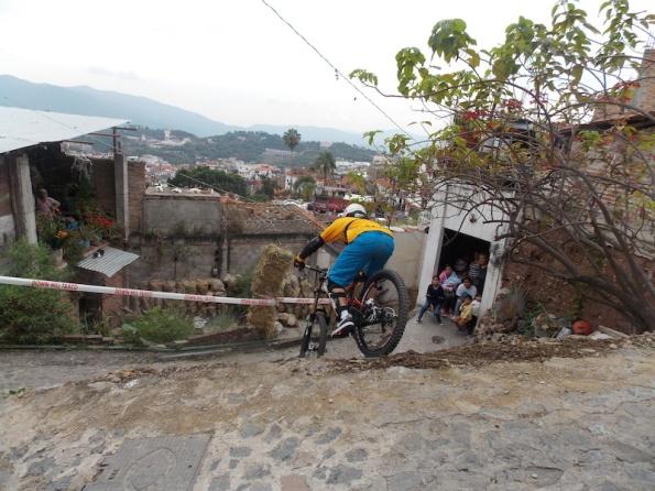Downhill Taxco 3