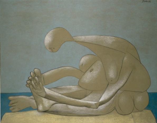 Pablo-Picasso-Femme-Assise-sur-la-plage-1937