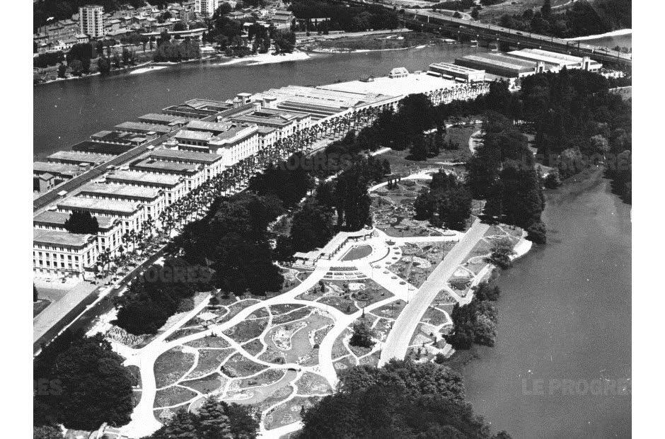 Palais-de-la-foire-de-Lyon-parc-de-la-Tâte-d-Or